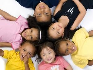 Bambini di tutte le razze