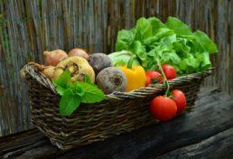L'alimentazione migliore per le donne, dall'adolescenza alla menopausa.   Noi Mamme 4