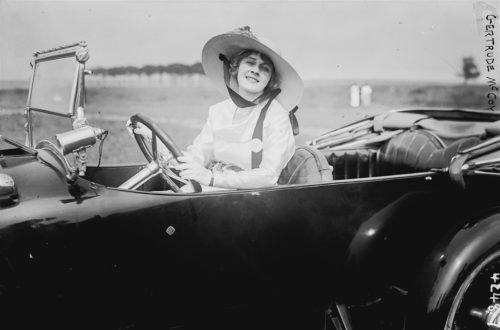 Donne al volante: sfatiamo qualche luogo comune! | Noi Mamme
