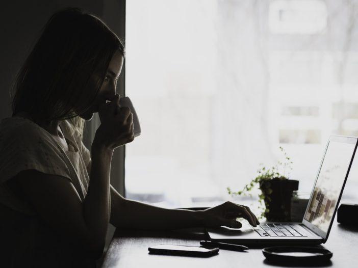 8 strategie per lavorare da casa senza trascurare i lavori domestici   Noi Mamme 3