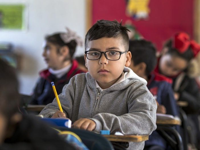 Lascia che i bambini corrano in classe, afferma un Dirigente Scolastico inglese | Noi Mamme