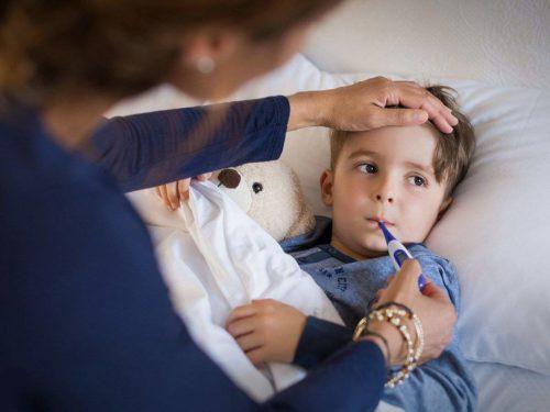 bambino con la febbre