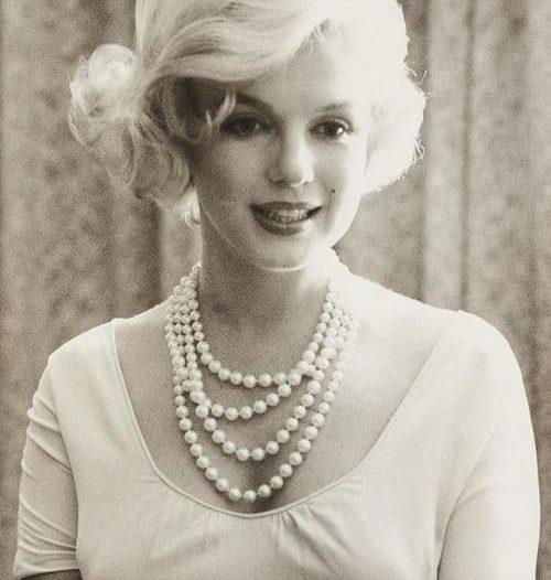 marylin monroe con collana di perle