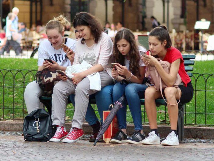 adolescenti e smartphone