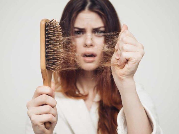 Perdita di capelli dopo il parto